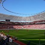 Blick aus dem Gästeblock der BayArena auf das Spielfeld beim Duell zwischen Leverkusen und Paderborn