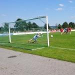 Der ASC 09 Dortmund verwandelt gegen die U23 des SC Paderborn 07 einen Foulelfmeter